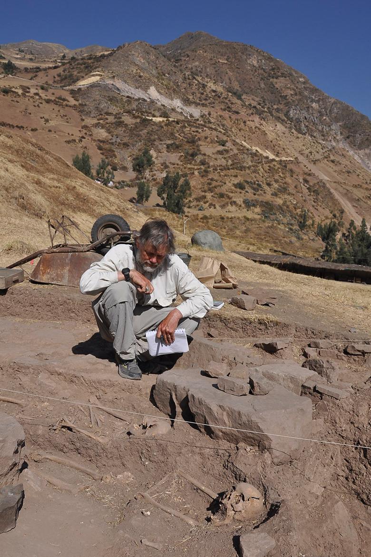 Archaeoklogist John Rick