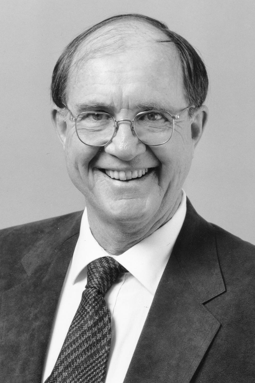1995 portrait photo of David Tyack