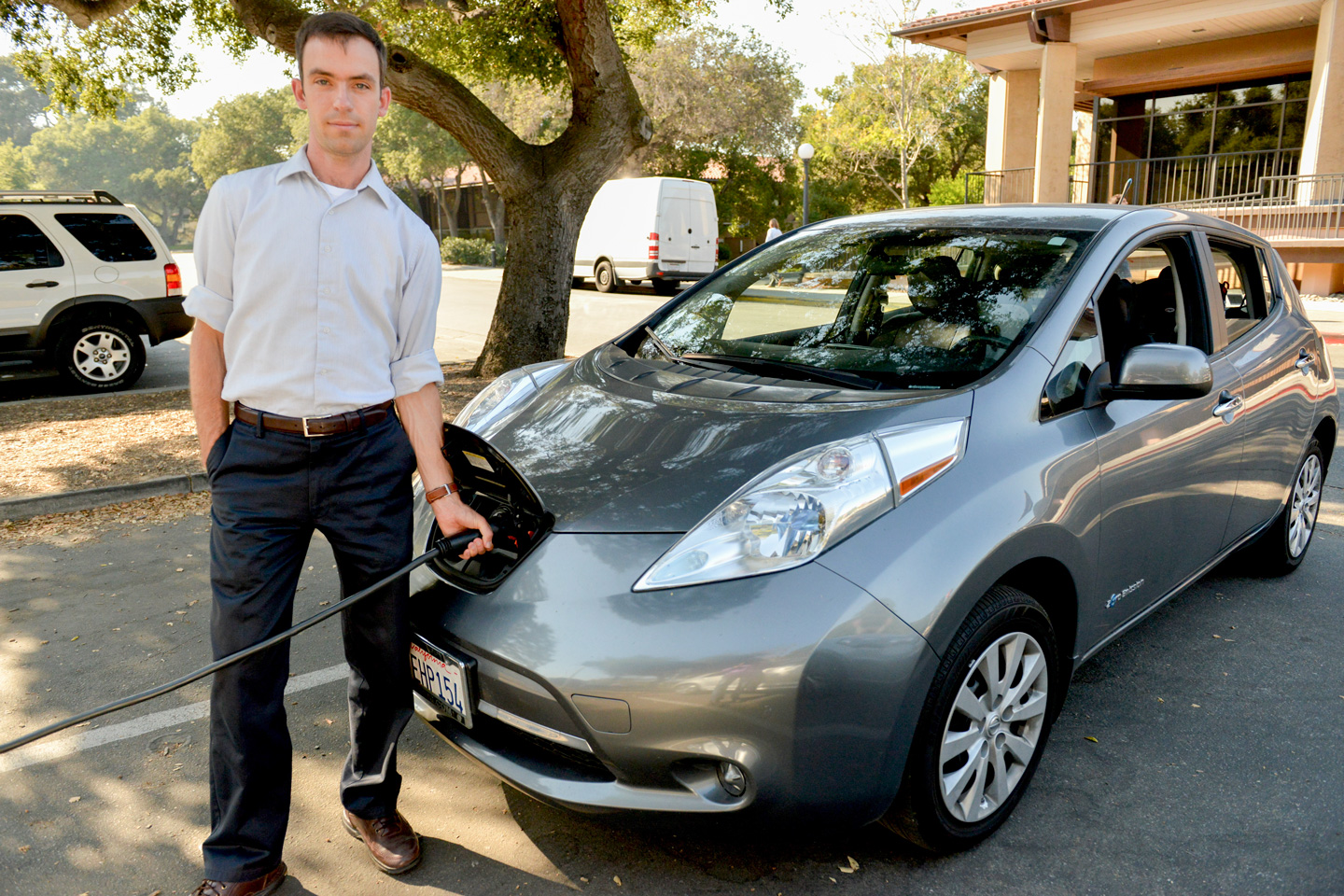 Researcher Matthew Pellow Charges His All Electric Nissan Leaf At Stanford Has Found