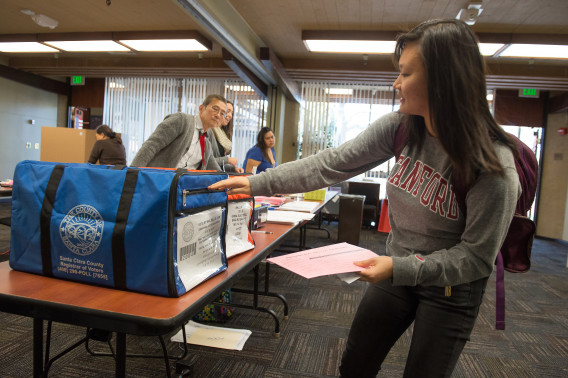 Voters from throughout campus and parts of Palo Alto flocked to Tresidder Memorial Union Tuesday to vote in mid-term elections. (Photo: Linda Cicero)