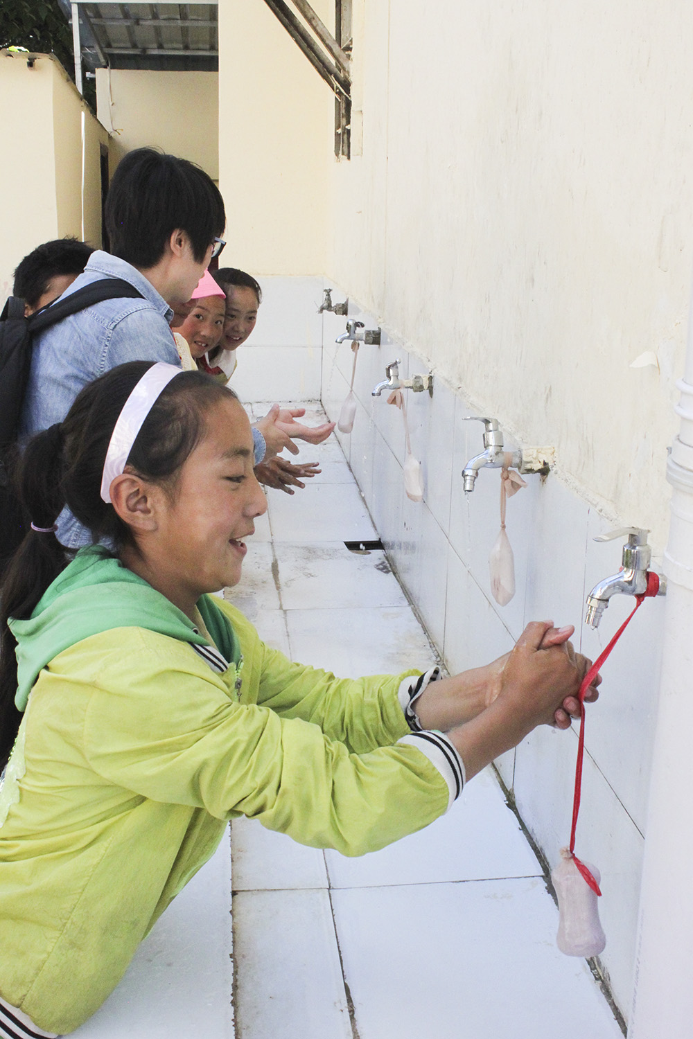 School children in China's Sichuan province learn how to wash their hands properly – a key intervention for preventing infection with a potentially fatal tapeworm.