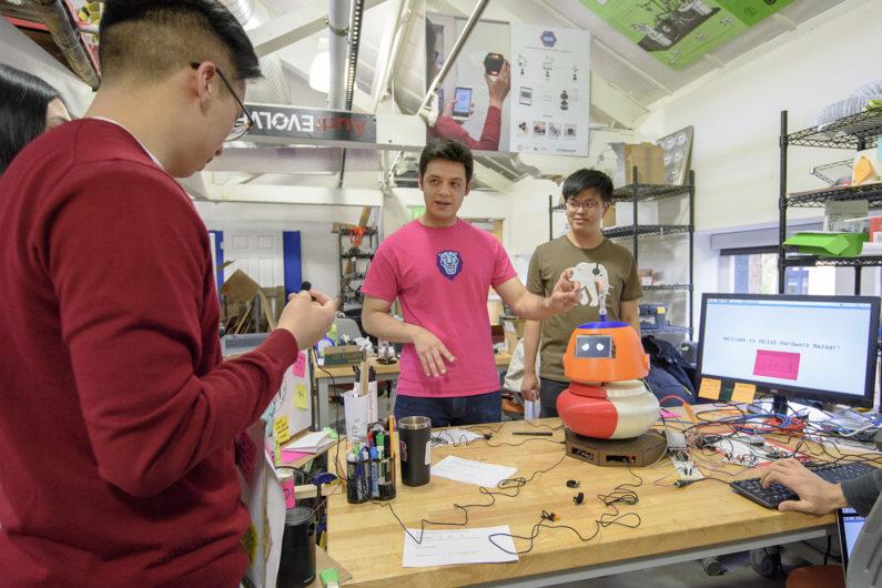 Graduate students Martin Perez and Ye Wang