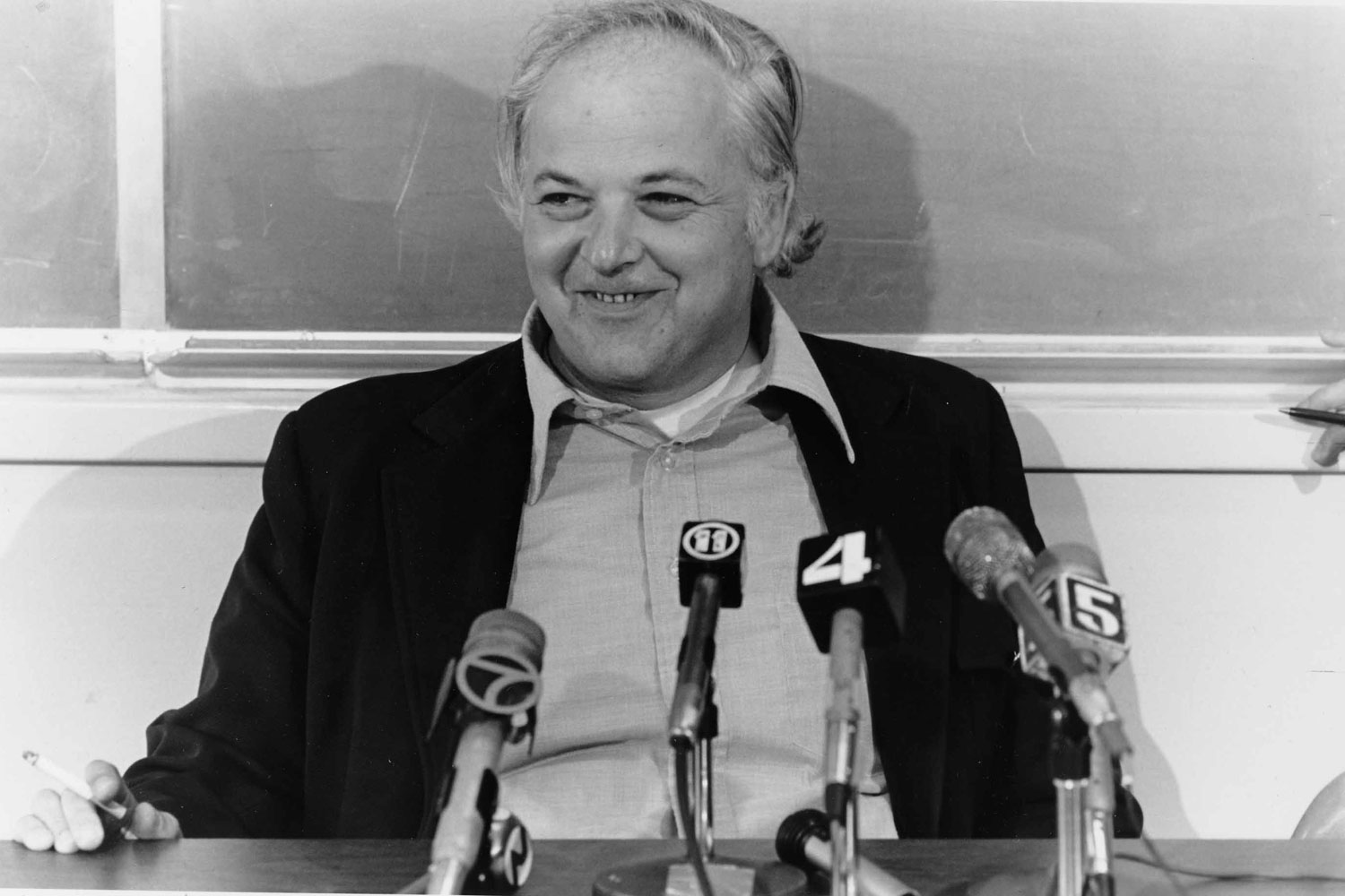 Burton Richter at his Nobel Prize press conference, 1976