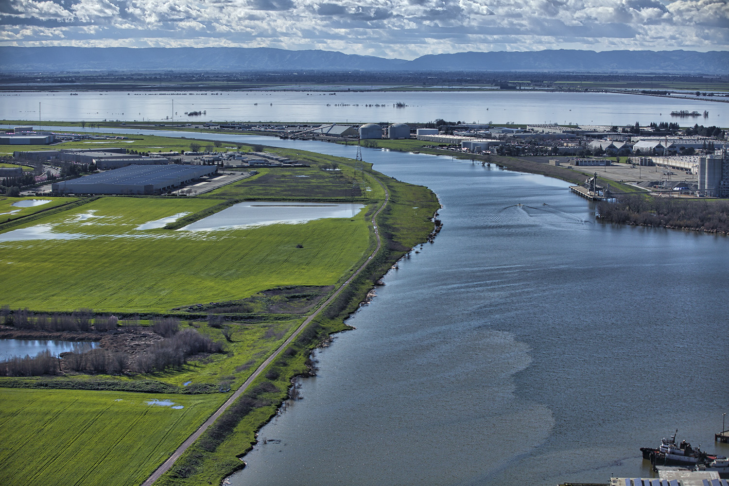 San Joaquin Sacramento Bay Delta, looking west out of Sacramento