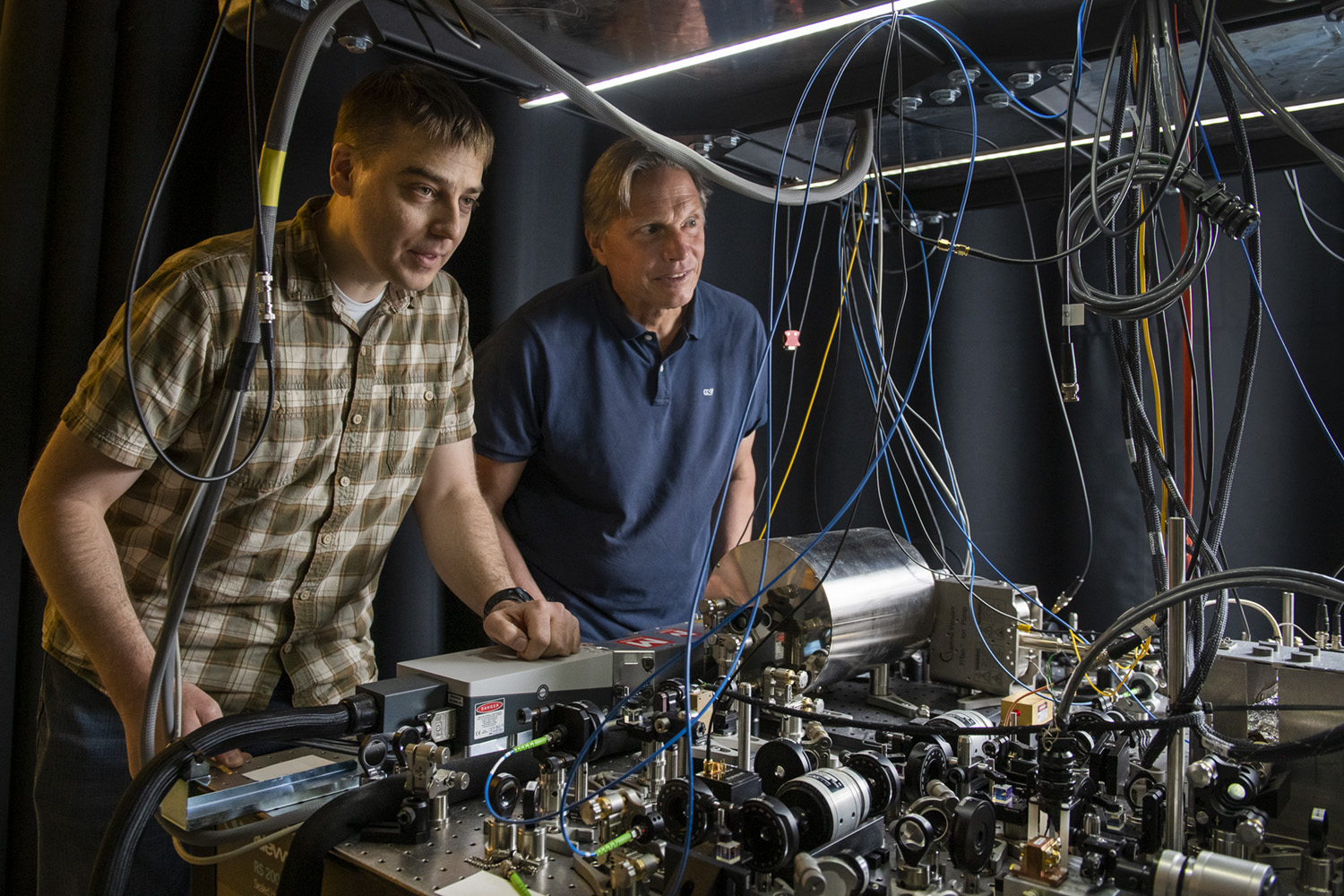 A different kind of gravitational wave detector   Stanford News