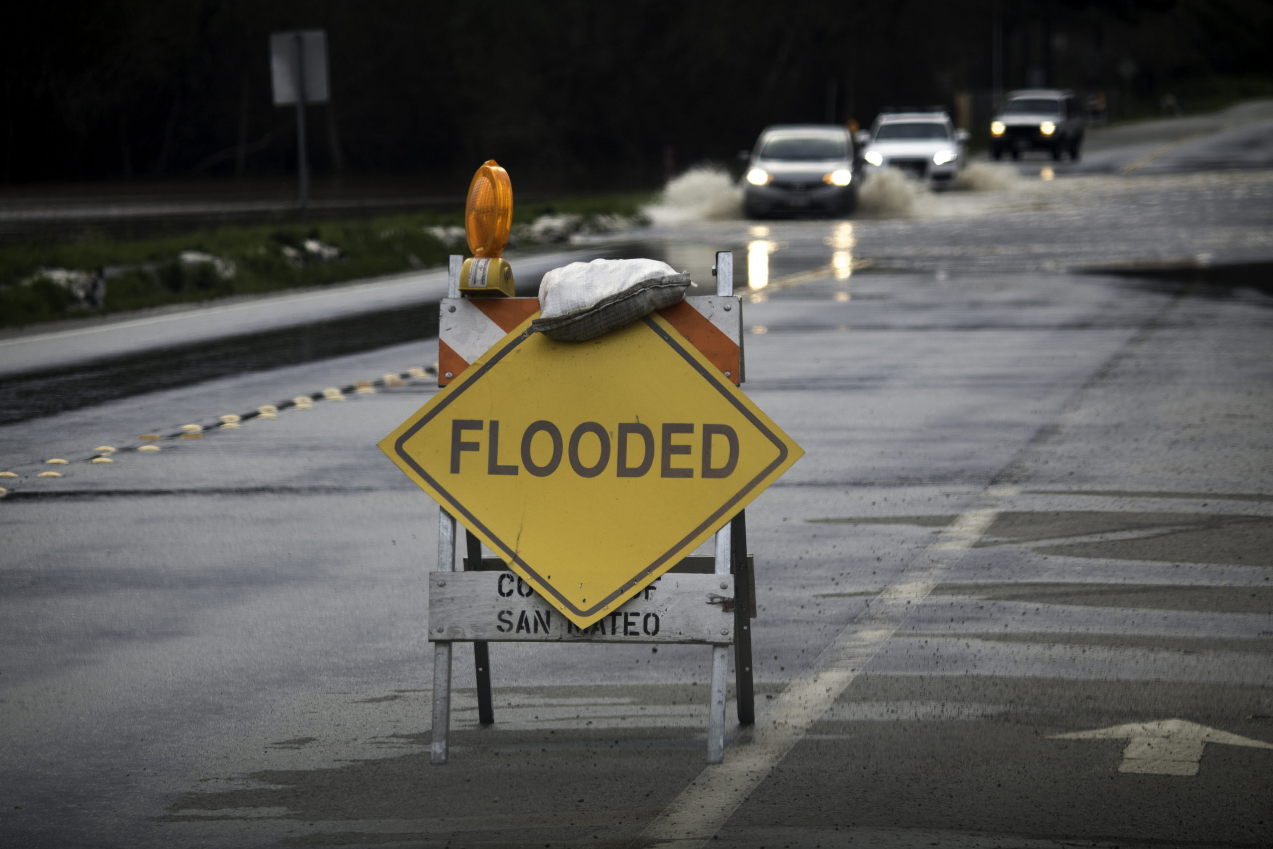 Bay Area coastal flooding triggers regionwide commute disruptions | Stanford News - Stanford University News
