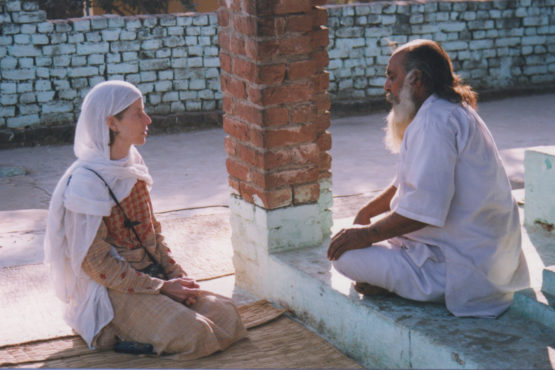 Anna Bigelow speaking with the caretaker of a Sufi tomb shrine in Punjab