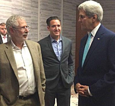 Steve Blank, adjunct professor, talks to Secretary of State John Kerry.