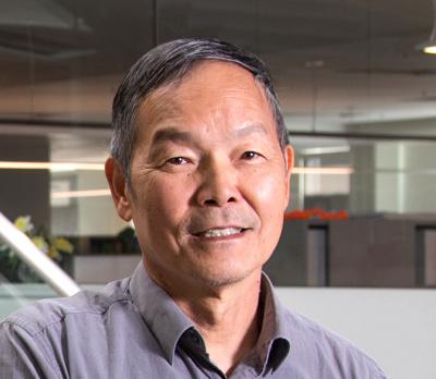SLAC Accelerator Physicist Alexander Chao